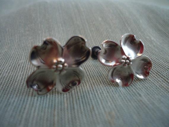STUART NYE DOGWOOD Earrings Screwback