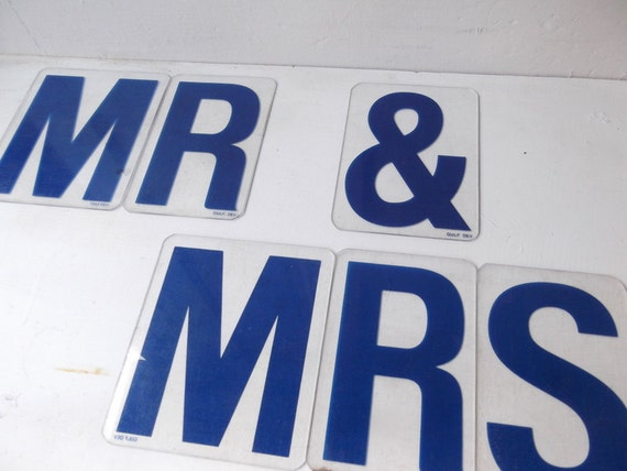 """Vintage """"Mr & Mrs"""" Sign in Blue FREE SHIPPING"""