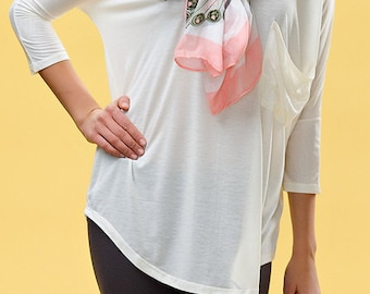 Beautiful blouse with long sleeves and pockets