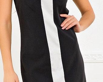 beautiful summer sleeveless dress with a white stripe