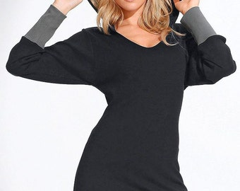 Black tunic with a hood and cuffs.