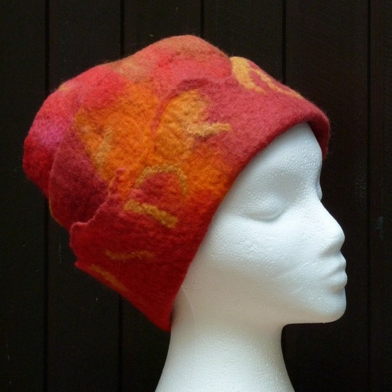 Wool felt hat Very Red OOAK