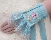 Royal Court Lace Cuffs