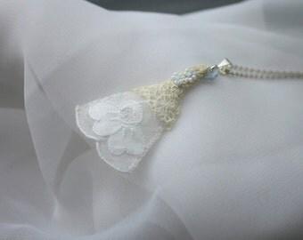 Bridal Pendant old new borrowed blue (F)