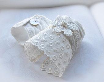 Antique Lace Cuffs, vintage bride, Edwardian special lace