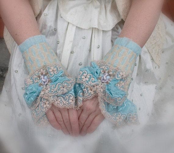 Frou Frou Marie Antoinette Lace Cuffs