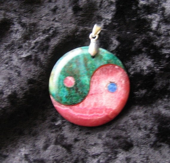 Yin Yang Pendant Necklace green and pink Agate zen