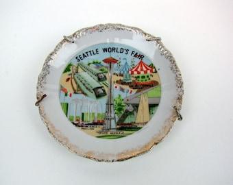 Seattle 1962 World's Fair Souvenir Plate of the Space Needle Vintage
