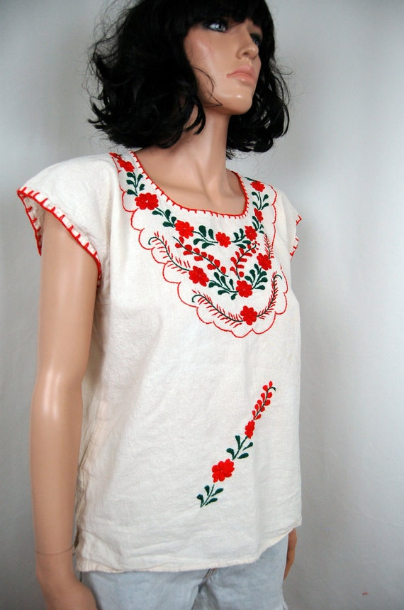 70's embroidered Floral Mexican Boat Neck Top S M L