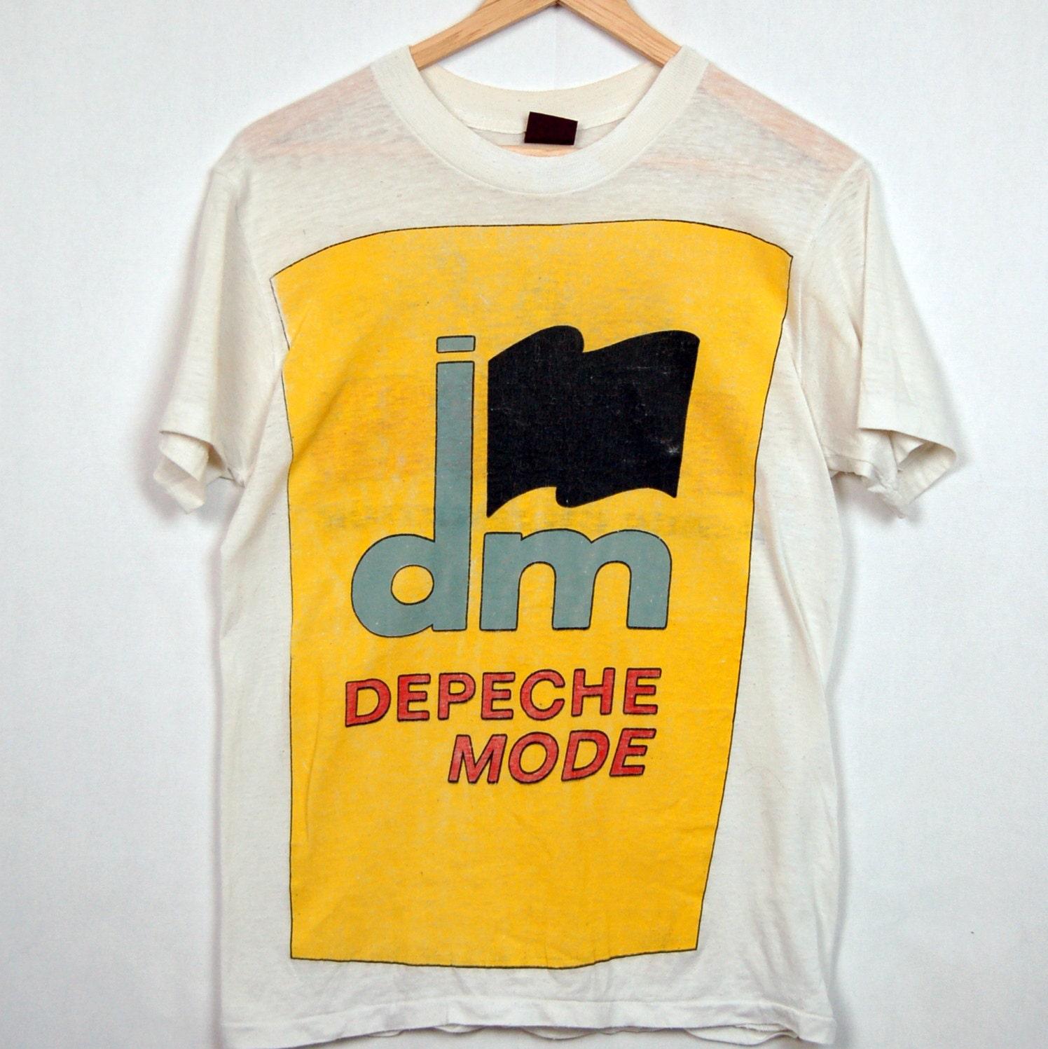 reserved depeche mode vintage t shirt 80 39 s 1986. Black Bedroom Furniture Sets. Home Design Ideas