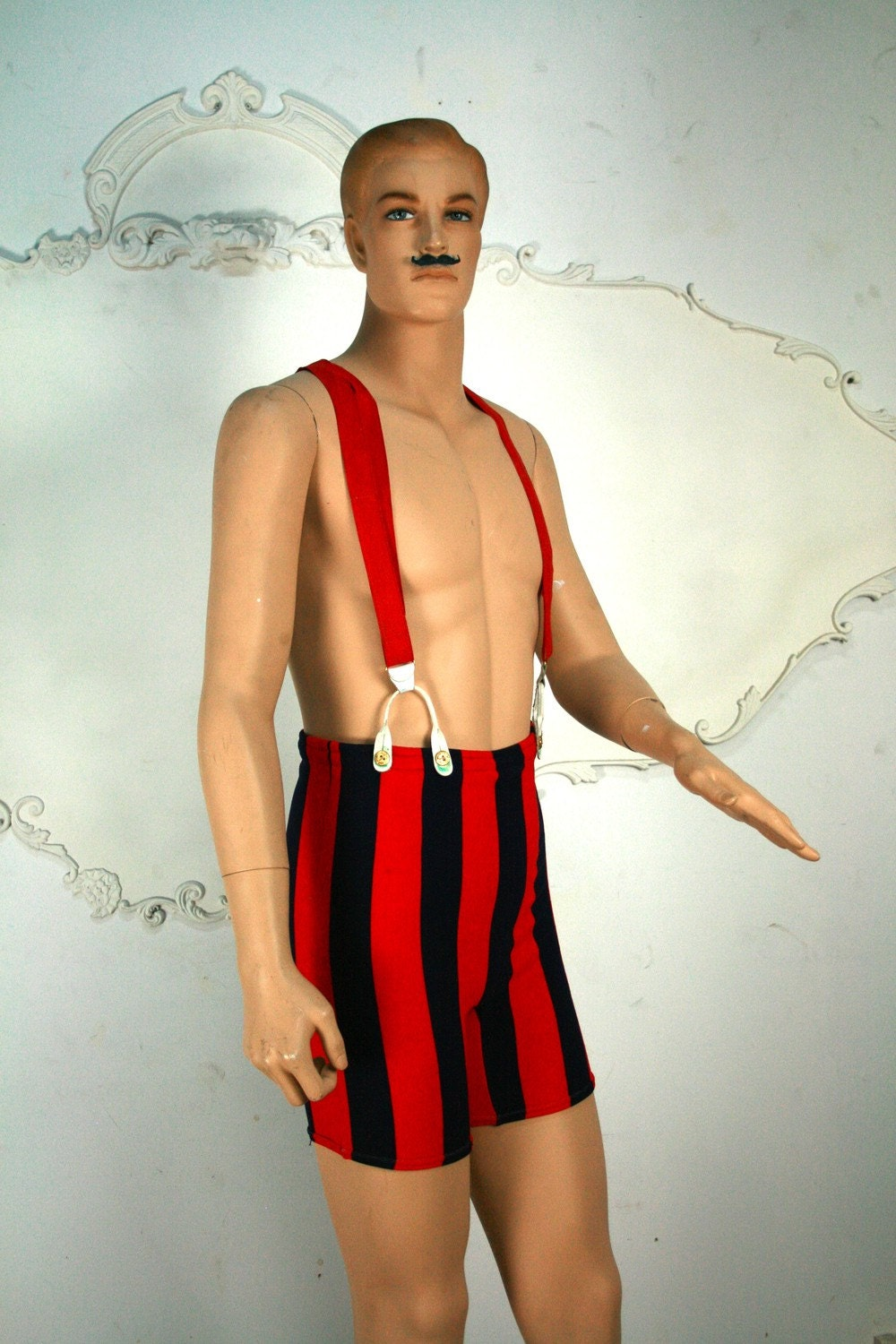 1950-60s vintage bathing suit does 1930s