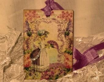 French Market Vintage Style Marie Antoinette Glittered Gift Tags Carte Postale ECS