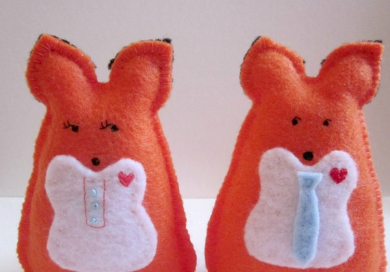 Red Fox Couple Handsewn and Embroidered Woodland Creatures In Felt