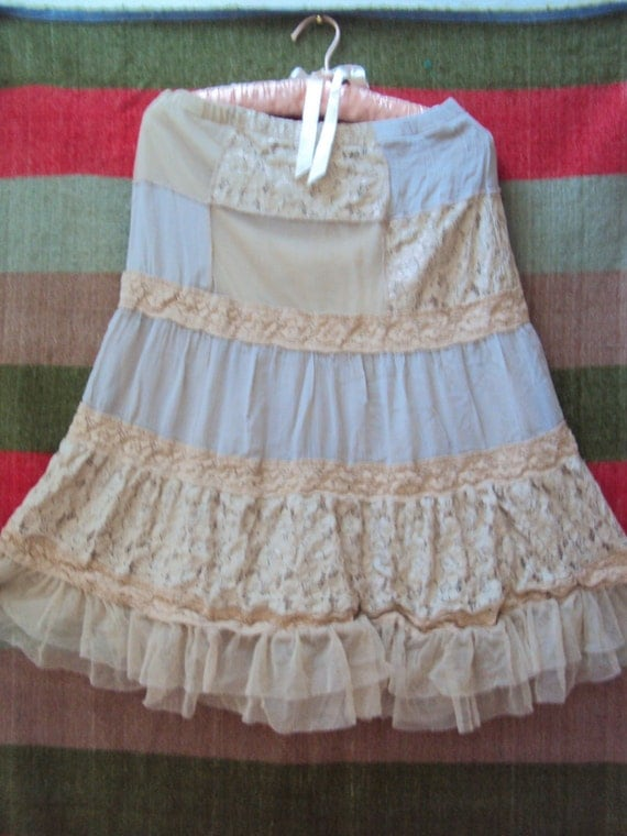 REDUCED FIVE Dollars Vintage Lace Tea Stained Tulle Petticoat Slip Skirt - Boho Prairie - Size S, M