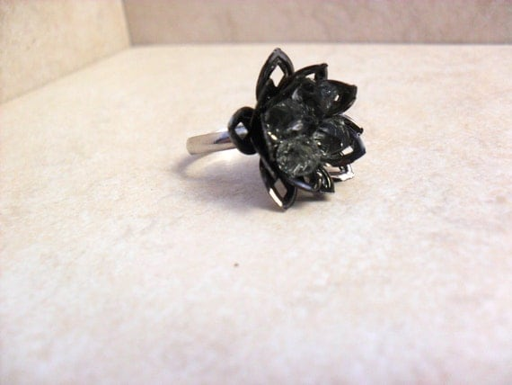 Lotus Ring In Black Diamond Gunmetal