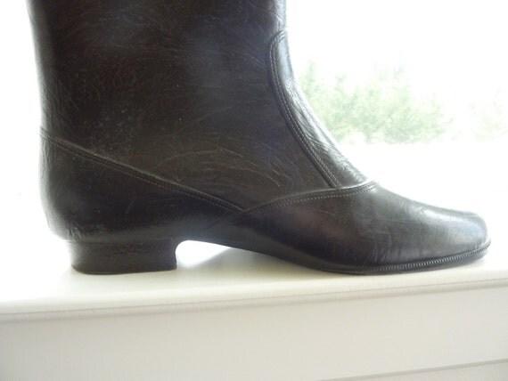 HALF PRICE SALE - Emily Dickinson Rain Boots, Vintage