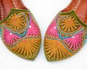 Vintage Indian Morrocan Boho Embroidered Crewel Flats Hippie Slipper Shoes 10