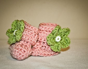 Crochet Baby Booties Boots, with  flower (detachable) Made to Order. You customize the colors.