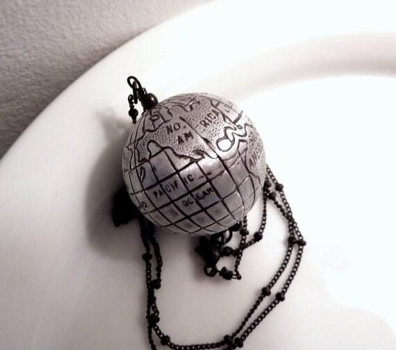 Planet Earth Pendant Vintage Globe Spins