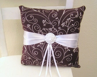 White and Brown Flowers Ring Pillow