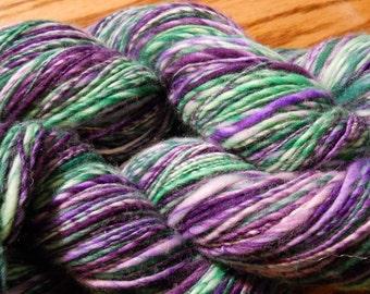 SCOTTISH THISTLE Superwash Merino Handspun Yarn Purple & Green