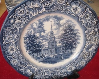 "Staffordshire Liberty Blue.England 10"" plate Independence Hall with Flowwer Ring"