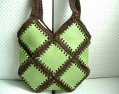 Crocheted tote bag made with handmade leatherette....
