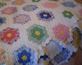Quilt Handmade c.1930 Grandmothers Flower Garden or French Rose Vintage Scalloped