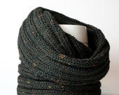Warm Knit collar for cold wintertime