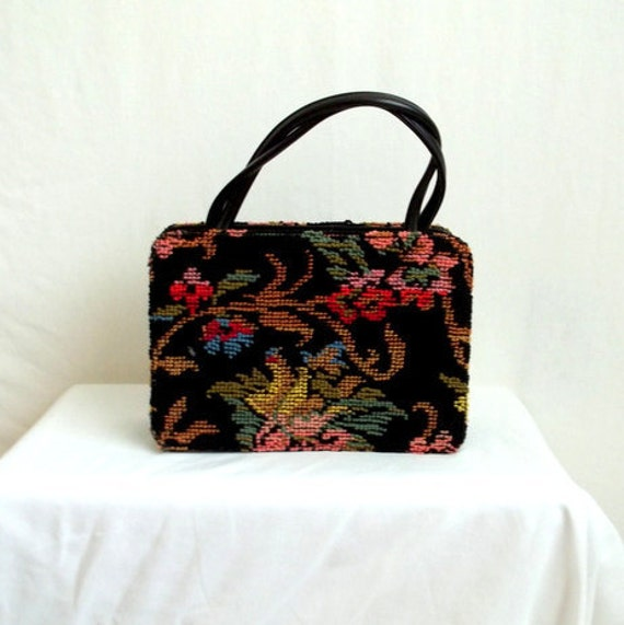 Embroidered Floral Tapestry Purse