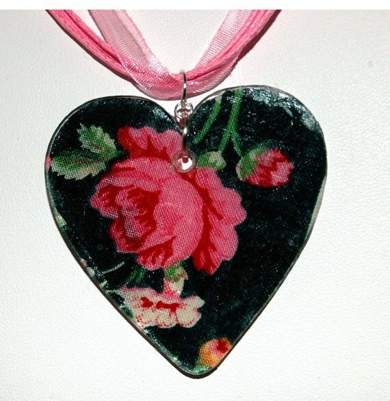 Vera Bradley Themed -- Rose or Floral Heart Necklace Green Briar Fabric