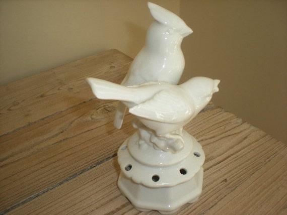 White Porcelain Cardinal Birds Flower Frog Gerold Porzellan