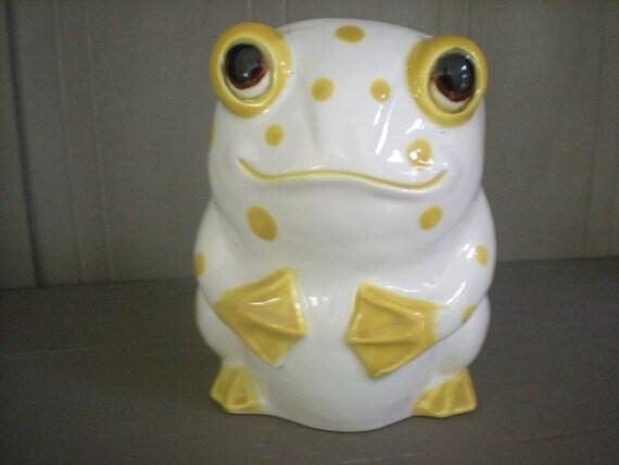 Yellow and White Lefton Frog Vase Planter