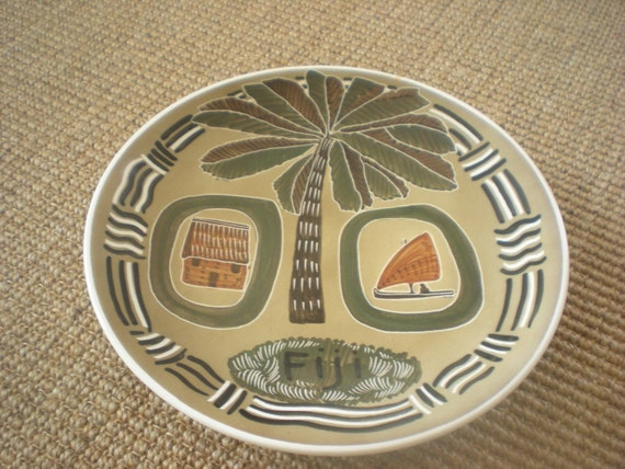 Hand Painted Fiji Plate from Studio Anna Australia