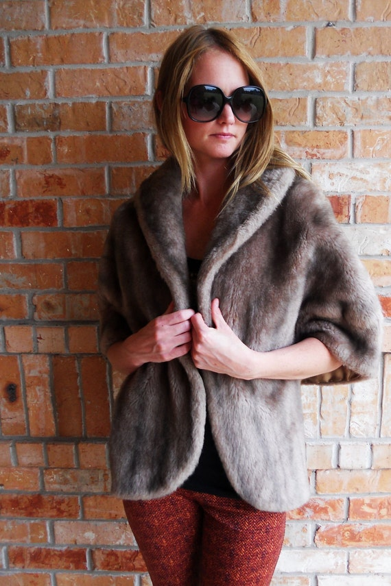 Faux fur//real looking shawl with collar size small/medium