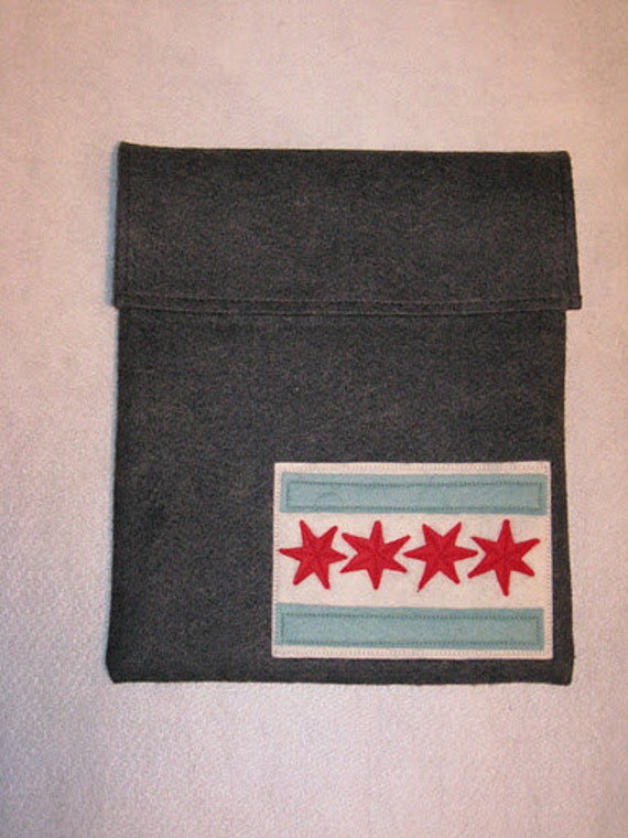 Charcoal Gray Wool Felt Tablet / iPad Sleeve with Chicago Flag