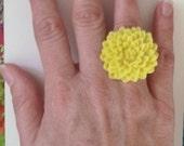 yellow chrysanthemum large flower resin ring