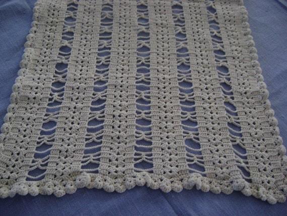 "Vintage Swedish Hand Made Linen Thread Crochet Runner Ivory  14x26"""
