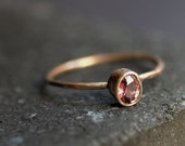 Oval Padparadscha Sapphire in 14k rose gold. - VenaAmorisJewelry