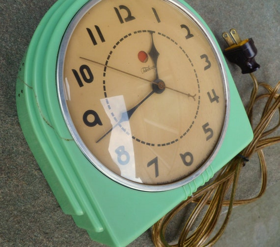 Art Deco Jadite Wall Clock. Telechron Buffet. Vintage 1930's.