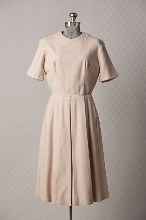 Womens Classic 1960s Cream Wool Pleated Vintage Dress // SMALL