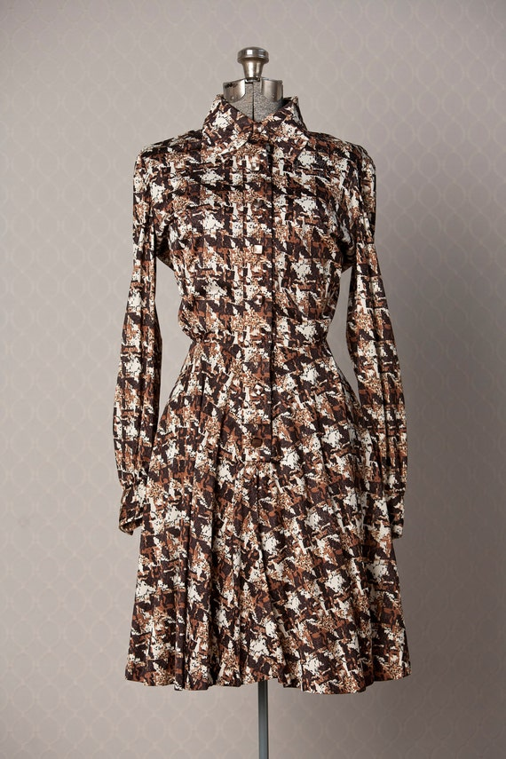 Womens 1970s Abstract Houndstooth Vintage MOD Dress // Medium