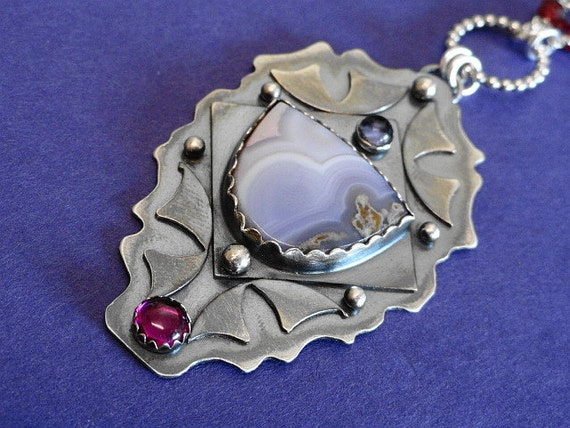 Reserved for ANNE oOo Lillies Gift oOo Agua Nueva Agate Necklace