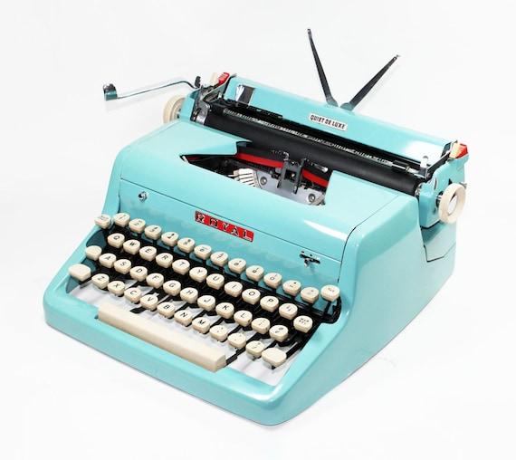 Vintage 1955 Turquoise Quiet De Luxe Manual Typewriter