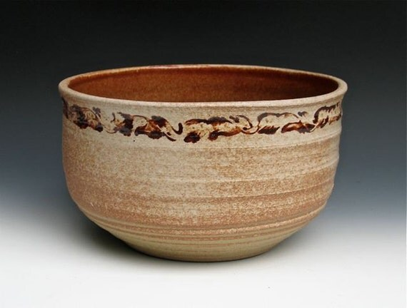 Ten-cup Stoneware Bowl