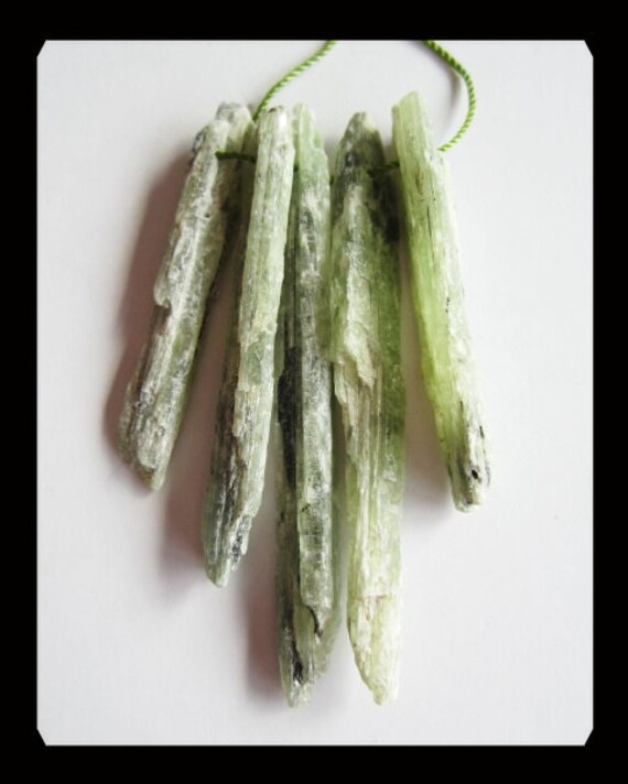SALE,5 PCS Green Kyanite Penddant Beads Set,21.2g