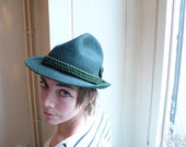 Vintage hat, trilby , Fedora, green, hat band, forest, france,autumn, french cascette, french vintage accessories by ancienesthetique
