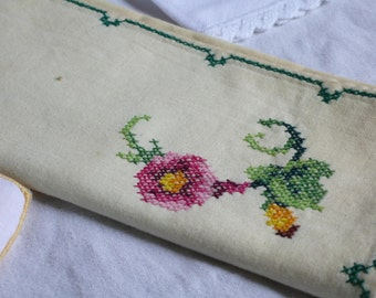Vintage linen napkins, glass mat collection, Craft Project Linen, table pieces, welsh vintage, floral 1930s, handmade embroidered gift,