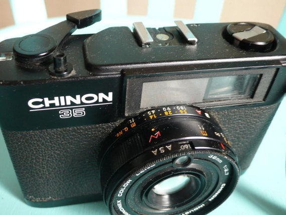 Vintage camera, Chinon 35mm, manual camera, Japanese, french vintage finds by ancienesthetique