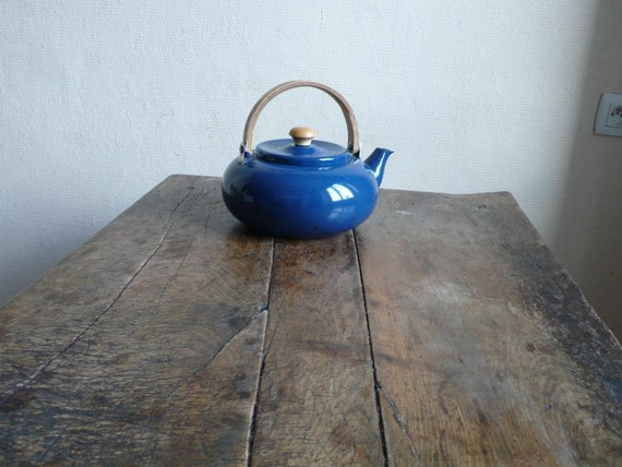 Vintage kettle, pot, water, enamel, blue, French vintage finds by ancienesthetique